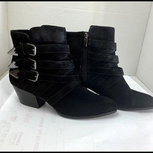 Enzo Angiolini  EAMISOA Suede Ankle Booties Size:7